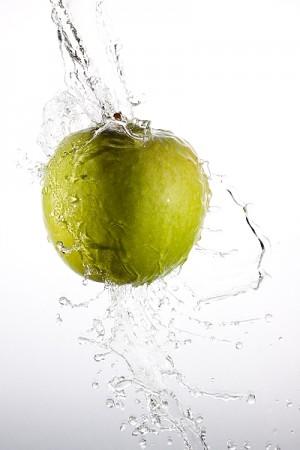 Фотографируем фрукты в брызгах воды