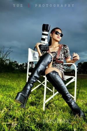 Девушка с фотоаппаратом - световая схема