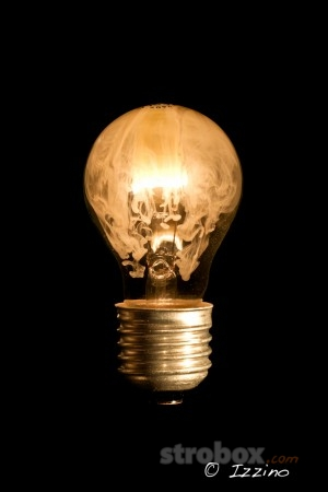 Дым в лампе или стеклянная лампа Алладина