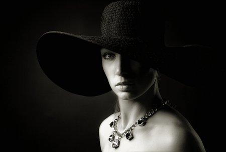 """Фотосъемка черно-белого портрета в """"низком ключе"""""""