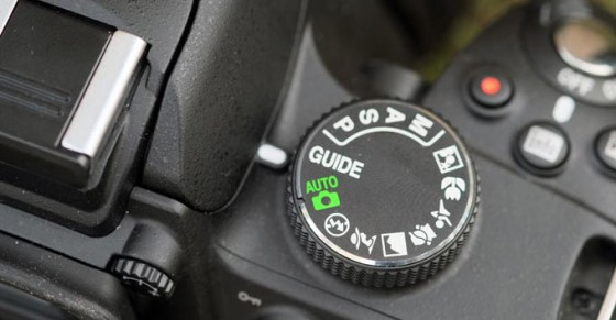 все необходимые функции выведены на корпус камеры